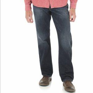 Wrangler Men's relaxed straight leg Jeans 30